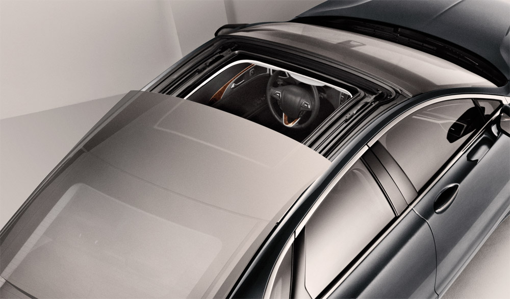 Moonroof or Sunroof? Learn the Difference!